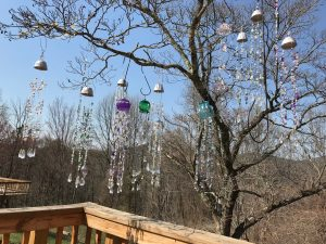 how to add sparkle to a tree with sun catchers